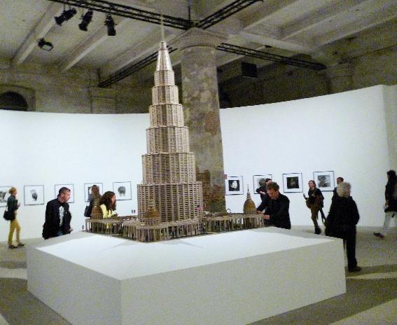 das Enzyklopädische Haus von von Marino Auriti im Arsenale, (c) KunstDuesseldorf.de