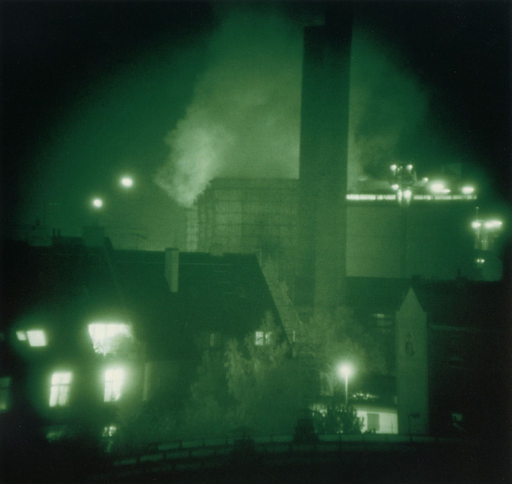 THOMAS RUFF Nacht 4 III, 1992 From the series: Nächte – Nachten – Nuits - Nights C-print © VG Bild-Kunst, Bonn 2014