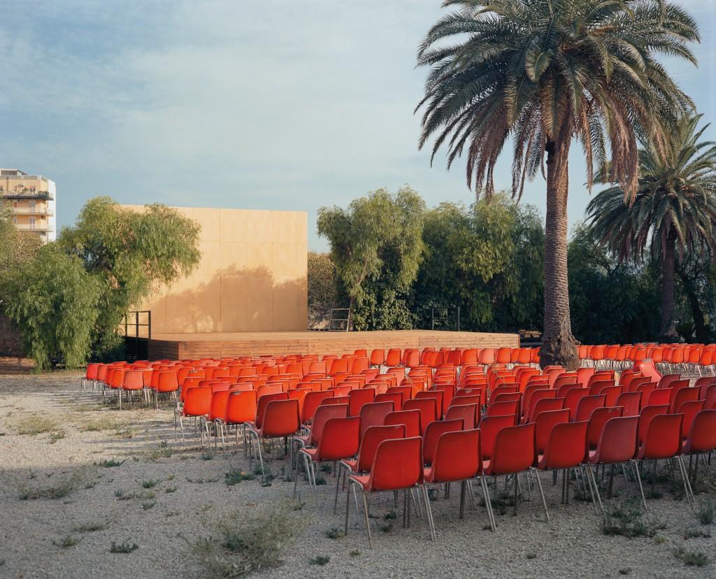 Wim Wenders, Open Air Screen, Palermo, 2007, C-print, 178 x 205 cm, ©Wim Wenders